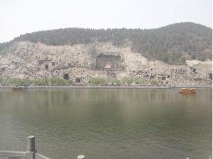 longmen grottoes in Luoyang