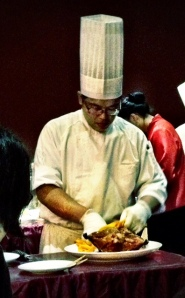 The chef preparing some famous Yilan roasted duck