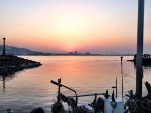 The famous sunset at Danshui Wharf in the north of Taipei